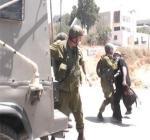 قوات الإحتلال تعتدي على ثلاثة متضامنين أجانب