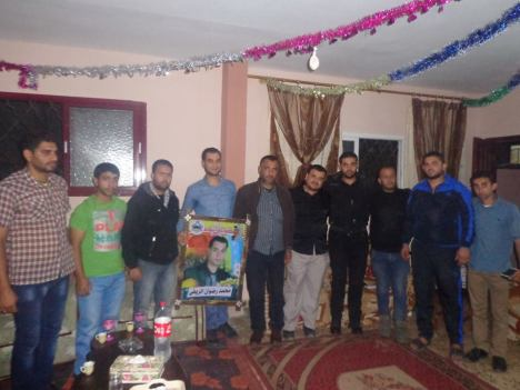 وفد من كتائب شهداء الأقصى – لواء غزة يبارك للمناضل: محمد رضوان الريفي بمناسبة زفافه