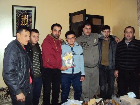 وفد من كتائب شهداء الأقصى - لواء غزة يزور أسرة الشهيد/ رامي عماد ياسين في ذكرى إستشهاده
