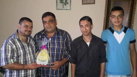 وفد من كتائب الأقصى - لواء غزة يهنئ الأخ: محمود ابو شمالة بقدوم مولوده الجديد