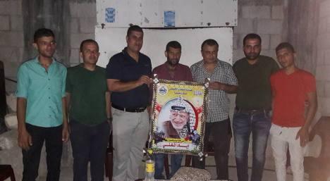 وفد من كتائب شهداء الأقصى – لواء غزة يكرم المناضل/ إياد المغني