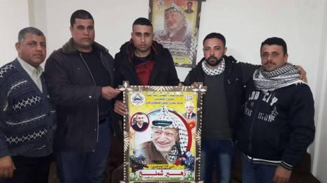 وفد من كتائب شهداء الأقصى - لواء غزة يزور الأخ: زهير شملخ ويهنئه بالشفاء